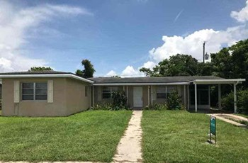 21586 Edgewater Dr Port Charlotte, FL 33952 3 Beds House for Rent Photo Gallery 1