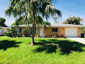 311 Lakeview Dr. 3 Beds House for Rent Photo Gallery 1