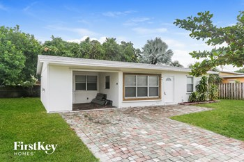 2750 NE 8 Ave Pompano Beach, FL 33064 3 Beds House for Rent Photo Gallery 1