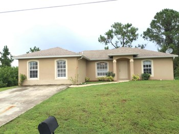 3018 33rd St SW Lehigh Acres, FL 33976 3 Beds House for Rent Photo Gallery 1