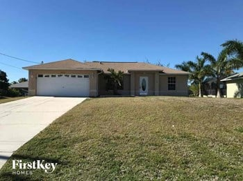 3824 SW 15Th Ave Cape Coral, FL 33914 4 Beds House for Rent Photo Gallery 1