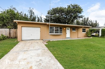 5460 SW 55 Ave 3 Beds House for Rent Photo Gallery 1