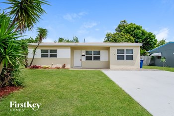 6532 SW 28 St 2 Beds House for Rent Photo Gallery 1