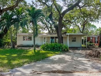 6640 Simms St 3 Beds House for Rent Photo Gallery 1