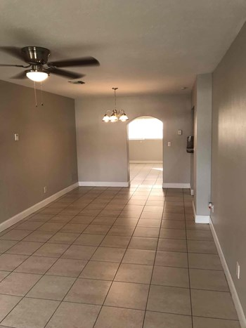 7130 Tyler St Hollywood, FL 33024 4 Beds House for Rent Photo Gallery 1