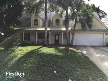 9264 Cypress Dr N Fort Myers, FL 33967 4 Beds House for Rent Photo Gallery 1
