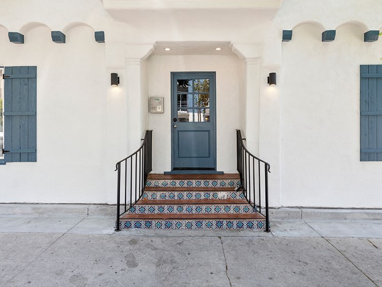 Front Entrance Doors of Barton Apartments in Hollywood, CA