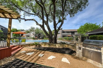 12221 Blanco Rd 1-3 Beds Apartment for Rent Photo Gallery 1