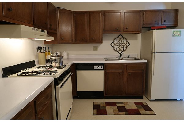Spacious Kitchen with Cabinet at Mission Hills Apartments, Franklin, WI