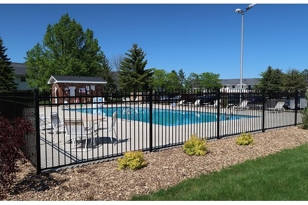 Resort-Style Pool at Mission Hills Apartments, Wisconsin
