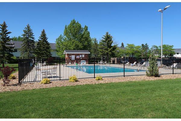 Swimming Pool at Mission Hills Apartments, Franklin
