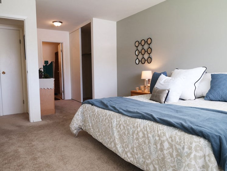 Bedroom at River Place Apartments in Milwaukee Wisconsin