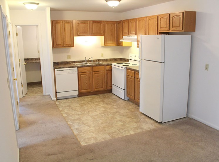 864 sqft 2 bedroom - Remodeled at Springtree Apartments, Wisconsin, 53562