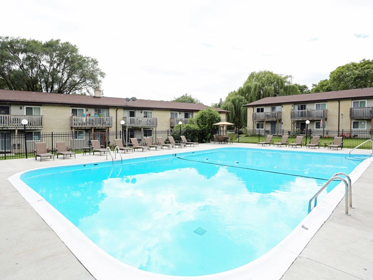 Pool at Springtree Apartments in Middleton Wisconsin 53562