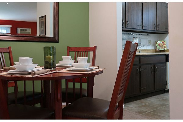 Comfortable Dining Area at The Meadows Apartments, Madison
