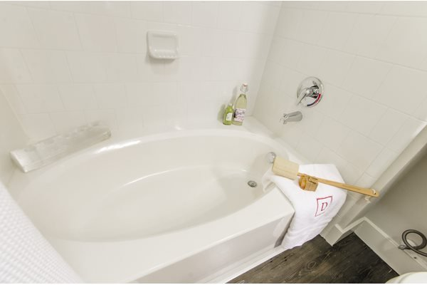 Bathrooms with Oval Garden Soaking Tubs at Venue at the Promenade, 6200 Castlegate West, Castle Rock, 80108
