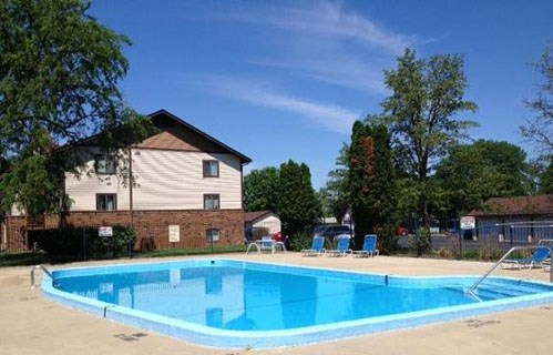 Swimming Pool at Chateau Knoll, Bettendorf, 52722