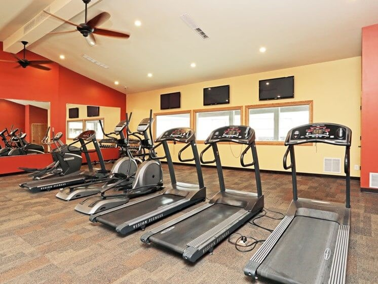 Gym at Chateau Knoll Apartments in Bettendorf Iowa