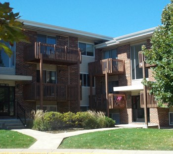 1307 W. Lincoln Highway 2 Beds Apartment for Rent Photo Gallery 1