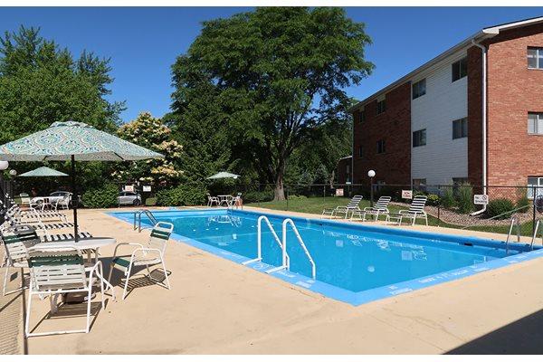 Resort-Inspired Pool at Pine Ridge, Moline, Illinois