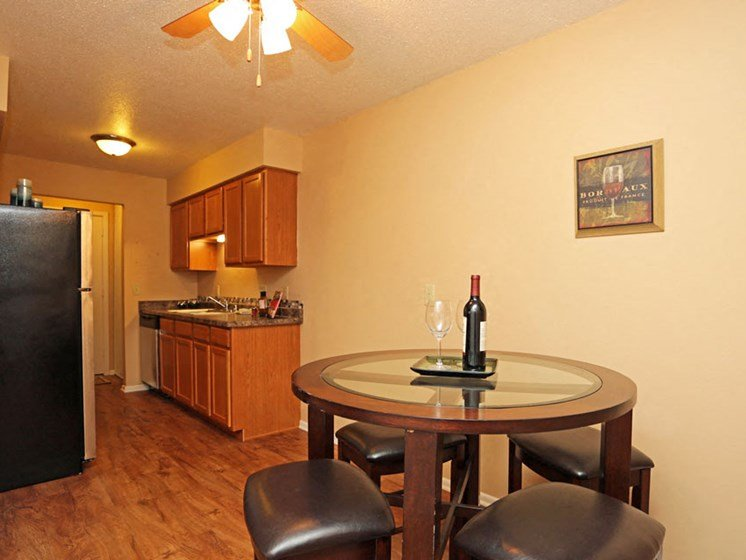 Dining Room at Kensington Pointe Apartments in Madison Wisconsin