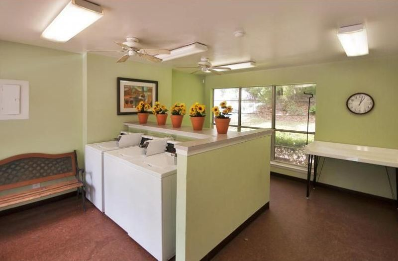 Cypress Pointe Apartment Homes Tallahassee, FL laundry facility clothes care