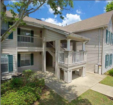 well kept exterior of Plantations at Killearn Apartments in Tallahassee, FL 32309