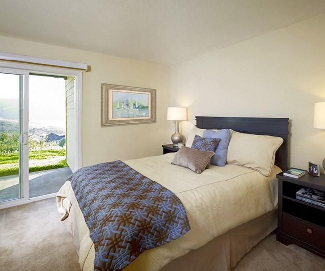 bedroom l Seabridge at Glen Cove Apartments in Vallejo, CA