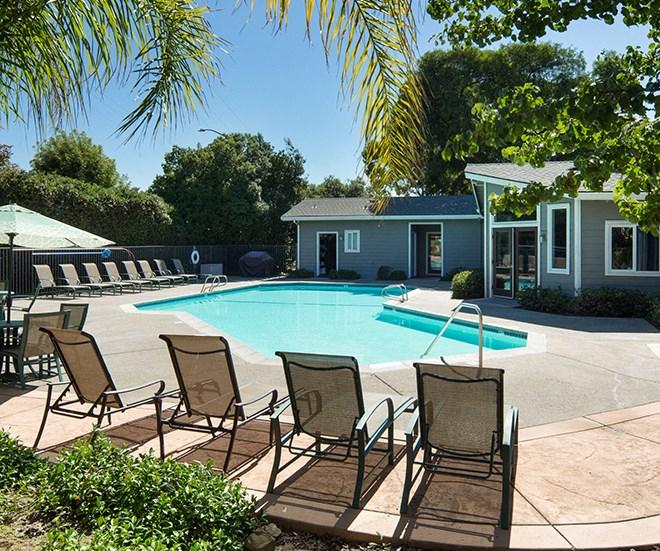 Pool l Seabridge at Glen Cove Apartments in Vallejo, CA