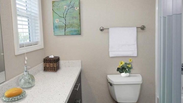 Bathroom l Seabridge at Glen Cove Apartments in Vallejo, CA