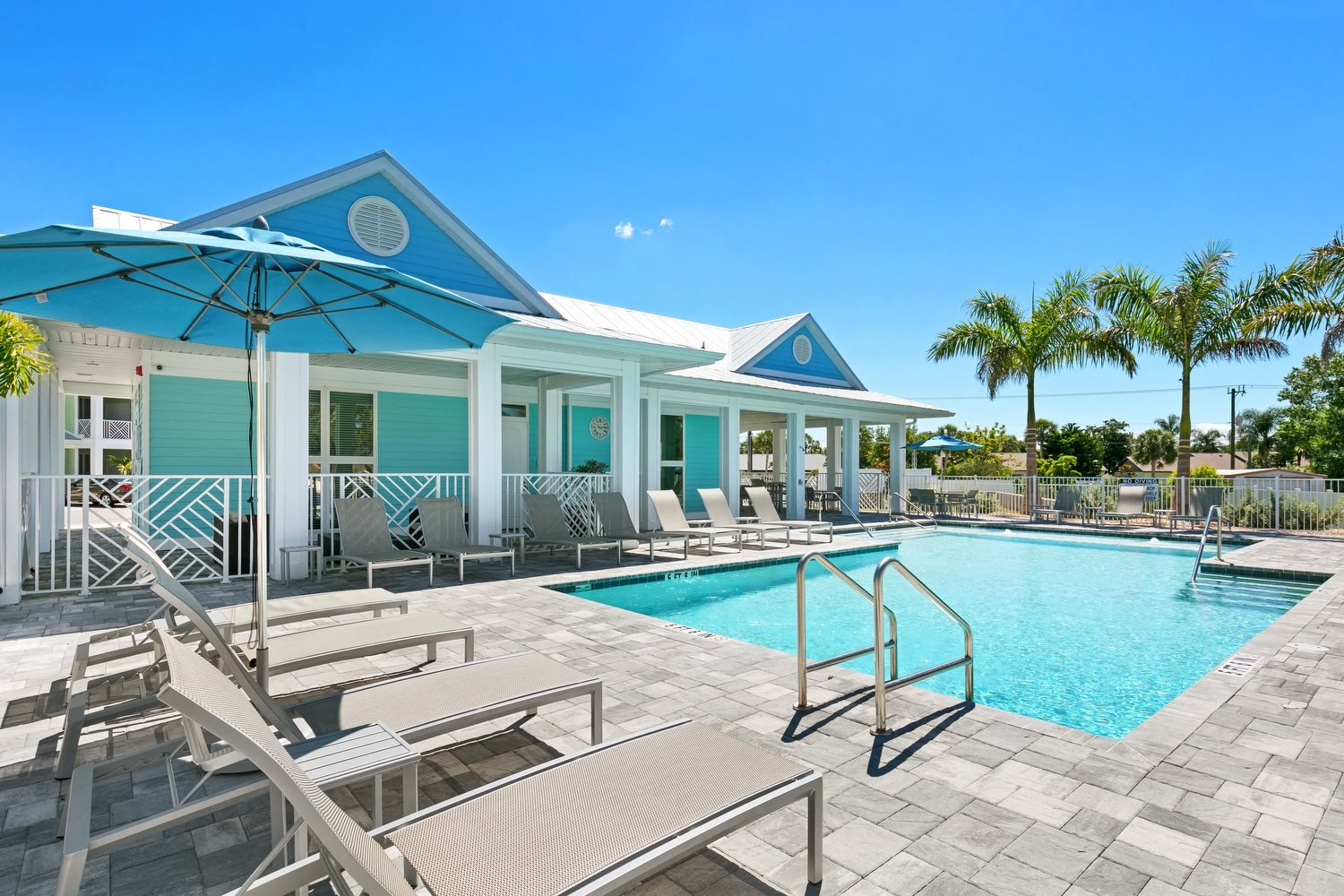 Photos and Video of Lemon Bay Apartments in Englewood, FL