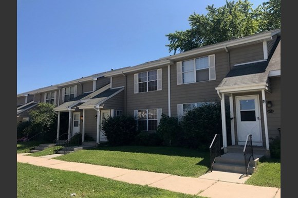 Bay Heights Apartments 3105 5th Ave South Milwaukee Wi Rentcafé