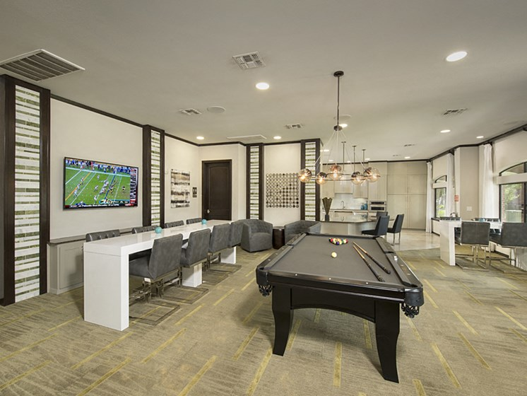 clubroom apartments in pearland