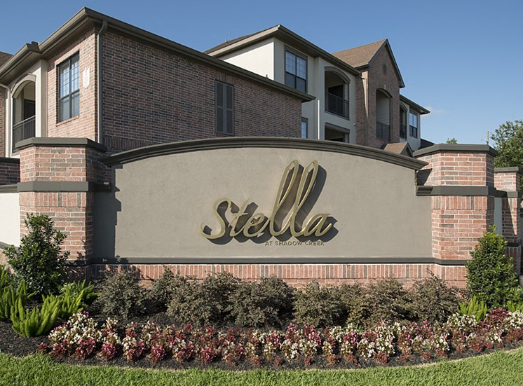 sign apartments in pearland