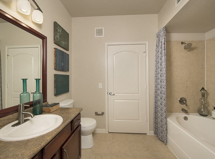 bathroom apartments in pearland