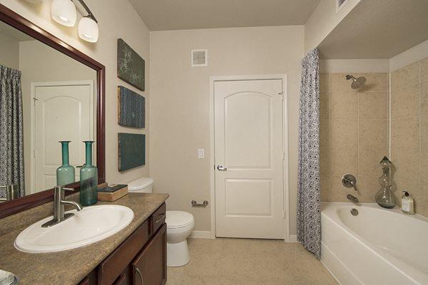 bathroom shadow creek apartments