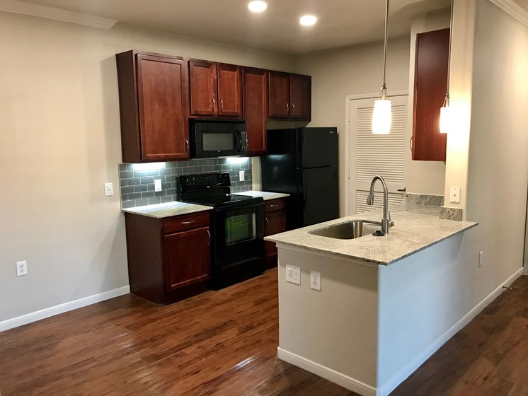 kitchen apartments in pearland