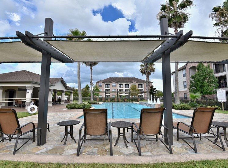 lap pool apartments in pearland