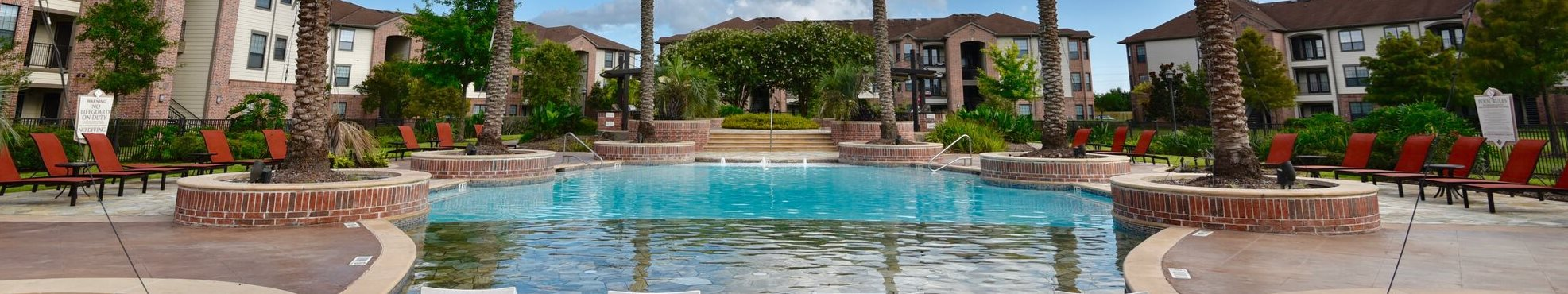 apartments in pearland with pool