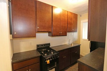 1914 University Avenue 1 Bed Apartment for Rent Photo Gallery 1
