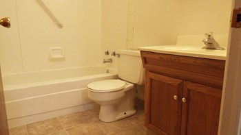 512-514 30th Ave N Studio-2 Beds Apartment for Rent Photo Gallery 1