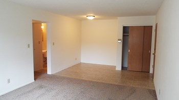 519 29th Ave N Studio-2 Beds Apartment for Rent Photo Gallery 1