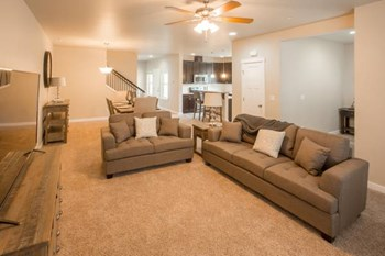 449 Greenwood Dr SW 3 Beds Apartment for Rent Photo Gallery 1