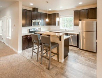 5042 Woodbine DR SW 3 Beds Apartment for Rent Photo Gallery 1