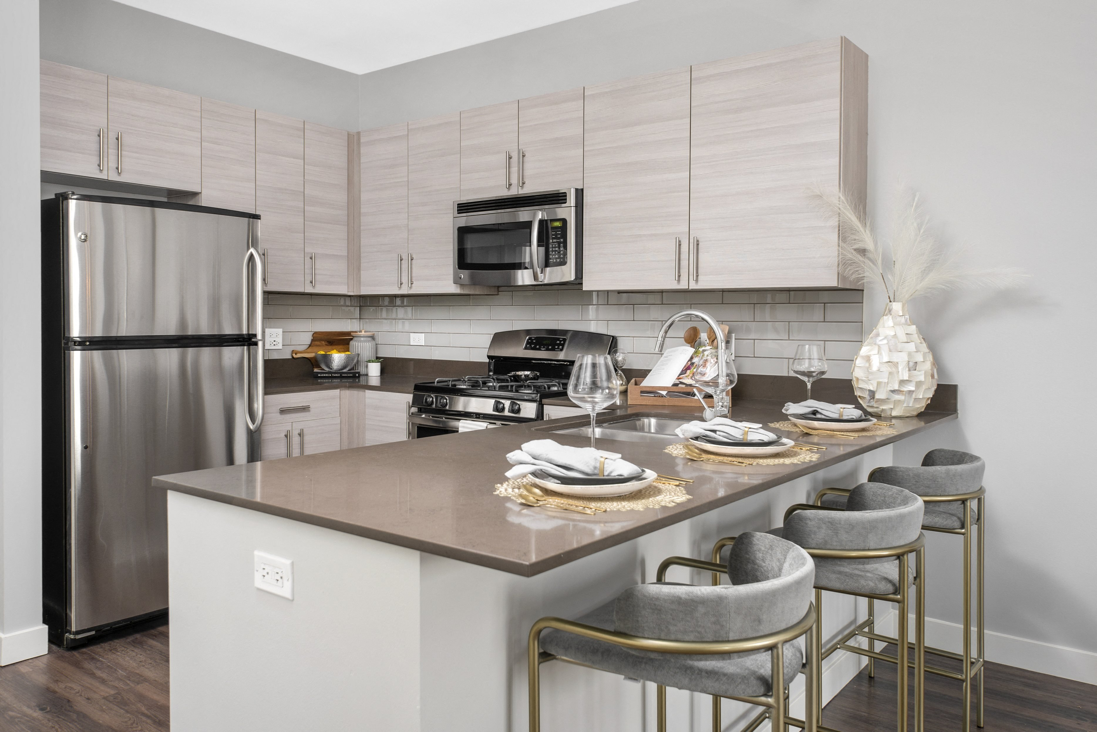 West Loop Chicago, IL Apartments | The Madison at Racine ...