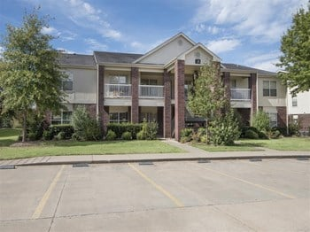 3126A E. Valley Water Mill Road 1-2 Beds Apartment for Rent Photo Gallery 1