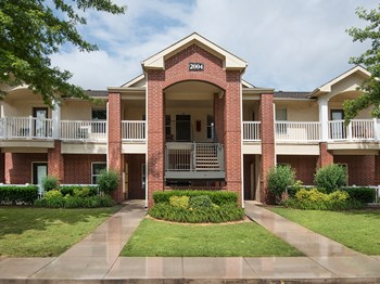 2101 SE Hilton Head Drive 1-2 Beds Apartment for Rent Photo Gallery 1