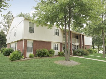 3101 N. Woods Lane 1-2 Beds Apartment for Rent Photo Gallery 1