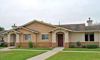 1701 W. Las Milpas 2-3 Beds Apartment for Rent Photo Gallery 1