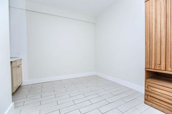 333 Hyde St Studio Apartment for Rent Photo Gallery 1